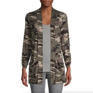 BOBEAU Ruched Sleeve Open Cardigan in Camo Olive